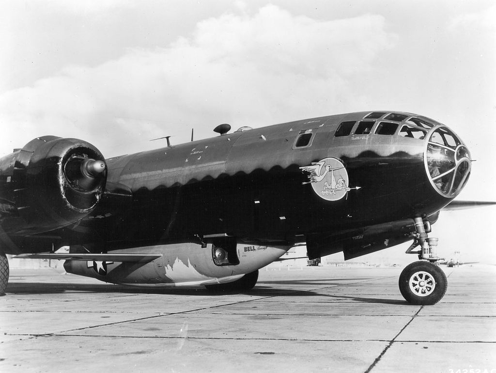 1024px-Bell_X-1A_in_the_belly_of_a_B-29